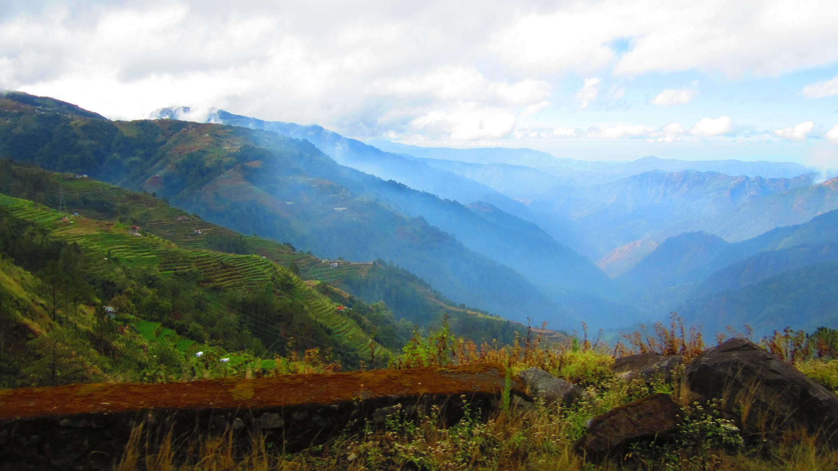 mountain province For many visitors, though, the prime attraction in northern luzon is the mountainous inland cordillera region highlights here include the mountain village of sagada with its caves and hanging coffins, and the stunning rice terraces around banaue and bontoc.